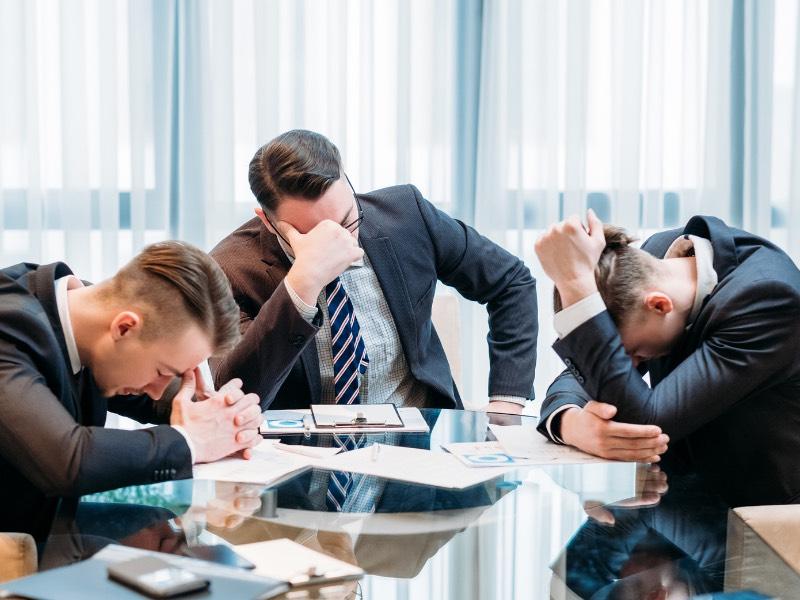 そもそも休みもろくに取れない会社はすでに崩壊している!