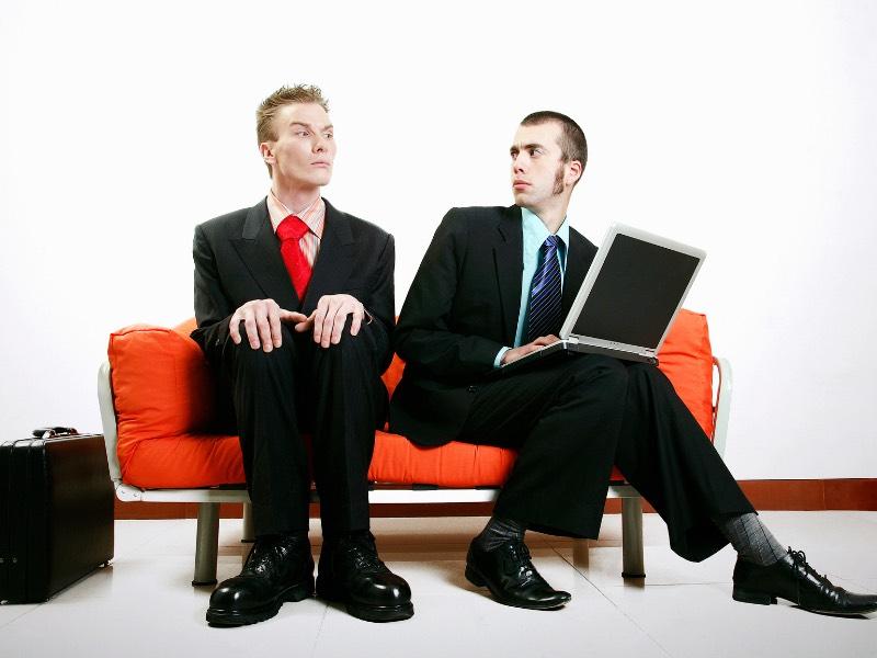 会社にいる気が利かない人の特徴と上手な扱い方